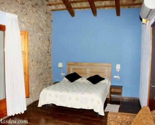 Cabanes (habitació / habitación / chambre)
